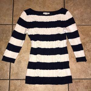 White House Black Market Sweater Size Medium